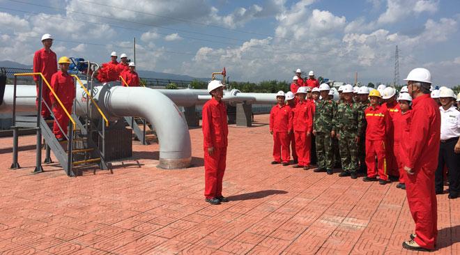我国第四条能源进口通道打通 中缅原油管道原油今入中国