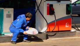 刘强东马云瞄上加油站