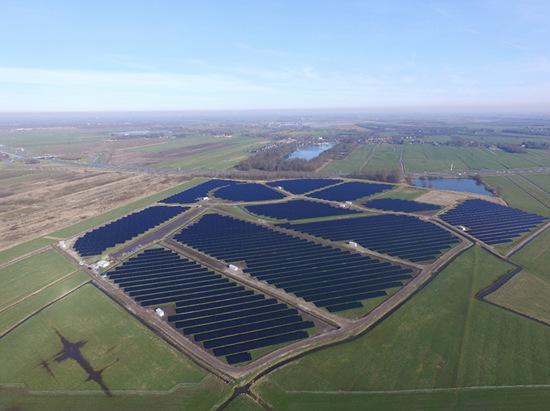 """""""汉能智造""""惊艳荷兰建成最大薄膜太阳能公园"""